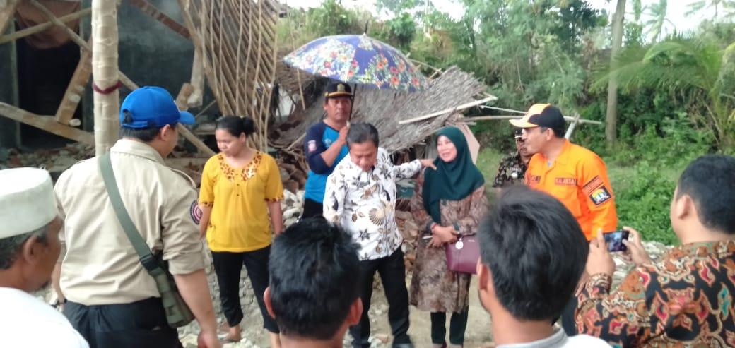 Evakuasi Korban Bencana Puting Beliung